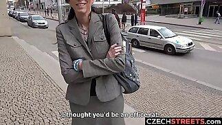 وزير الجبهة التشيكية التقطت وعبثا