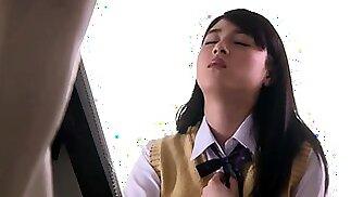 Lustful Asian schoolgirl obcecada com carne dura e esperma quente
