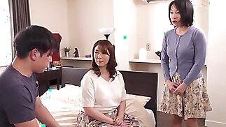 الساخنة japonese الأم في القانون 12860