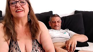 Curvaceous mature wife takes a thick cock down her throat