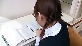 Sexy Schoolgirl Gets Her Tits And Cunt Licked, Then Gives H
