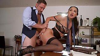 سخيف رهيبة سكرتيرة فيكي تشيس يحصل الحميمة مع رئيسها القديم